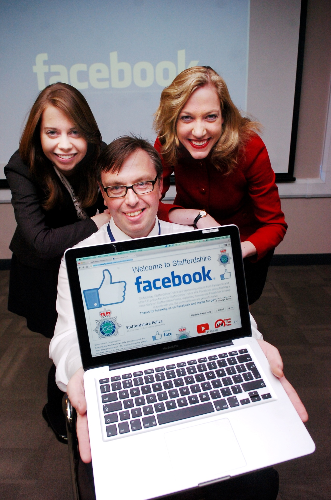 How Staffordshire Police uses its Facebook page is going to be used by the social-media company as an example to companies worldwide. Two representatives from Facebook will be attending a police training day for 35 other police forces at HQ. PICTURED: From left: Alison Cies, Politics and Government Associate for Facebook, David Bailey, Staffordshire Police Communication Manager and Elizabeth Linder, Politics and Government Specialist for Facebook